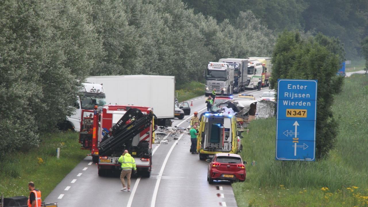 Dodelijk ongeval met vrachtwagen op N347 bij Goor.