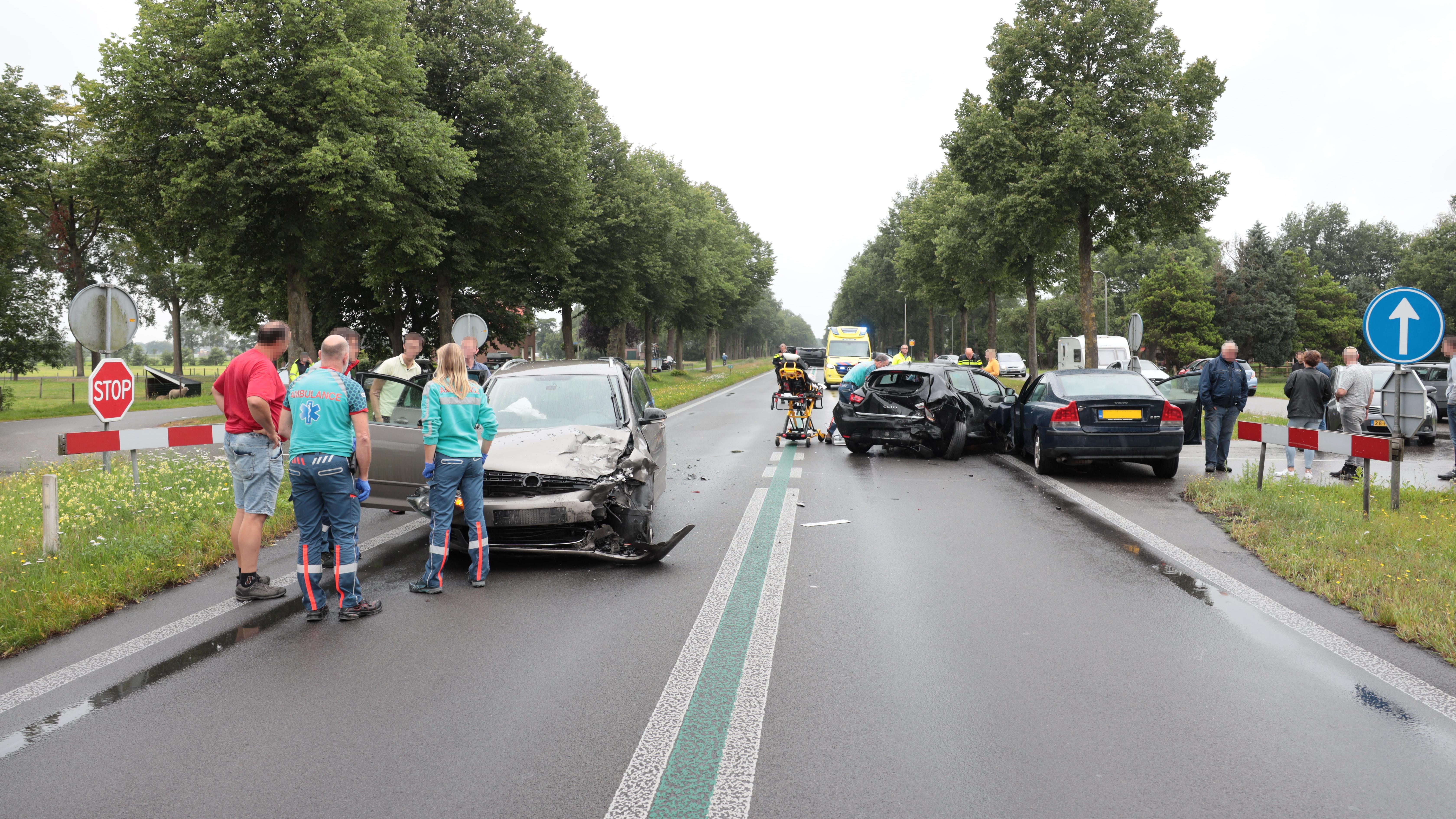 Drie gewonden bij ongeluk in Nieuwleusen.