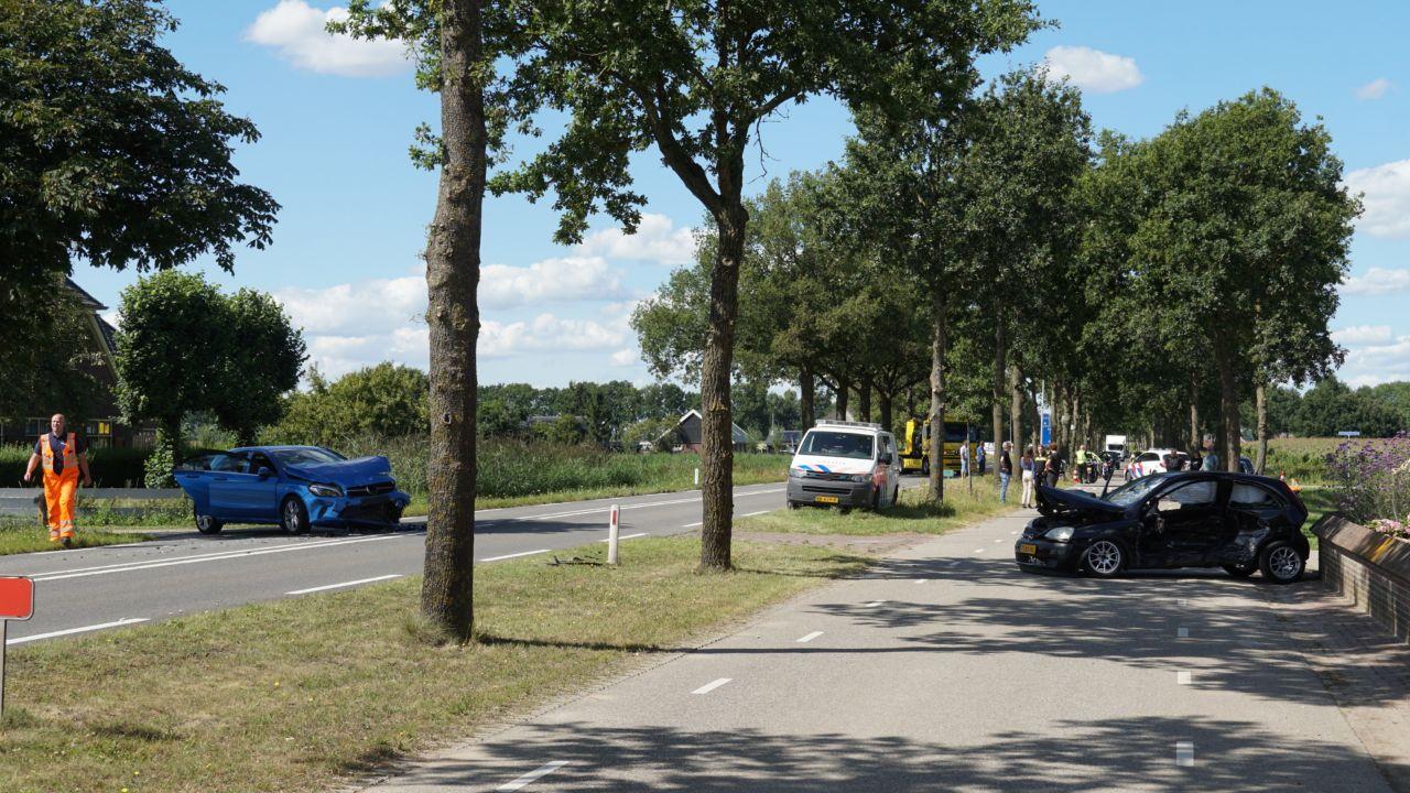 Twee gewonden bij ongeluk N337 tussen Wijhe en Zwolle.