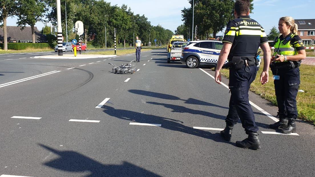 Fietsster gewond in Borne na aanrijding met auto.