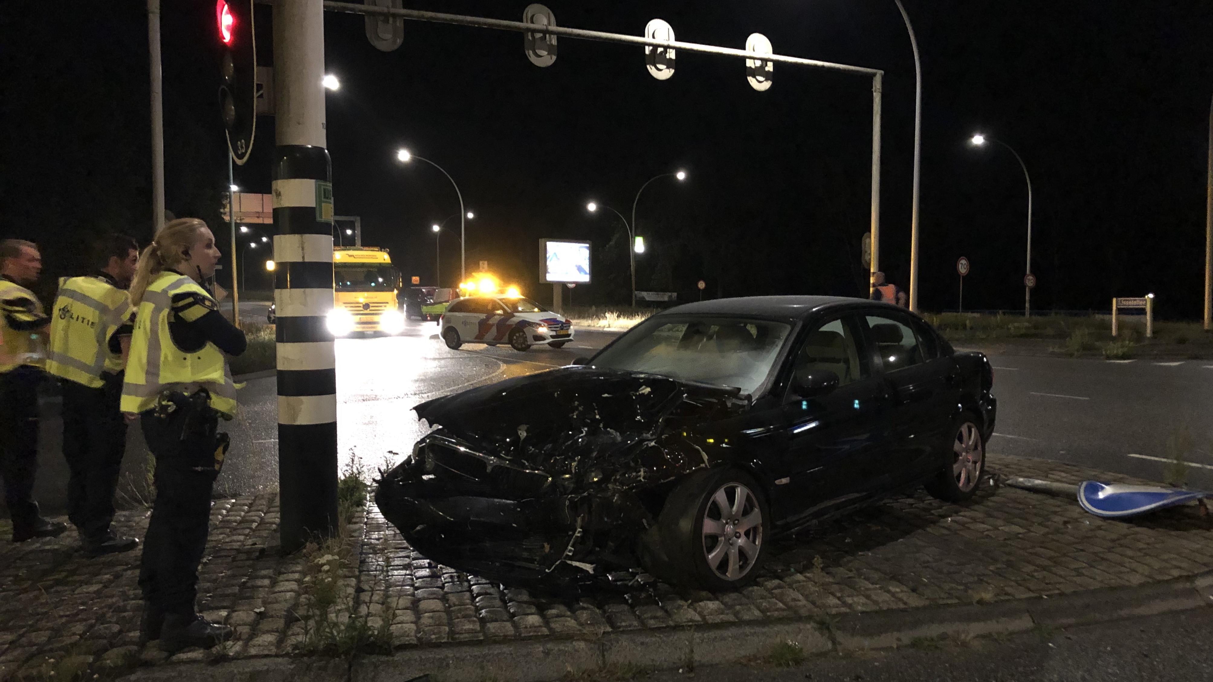 Opnieuw forse aanrijding op de kruising IJsselallee/Nieuwe Veerallee in Zwolle.