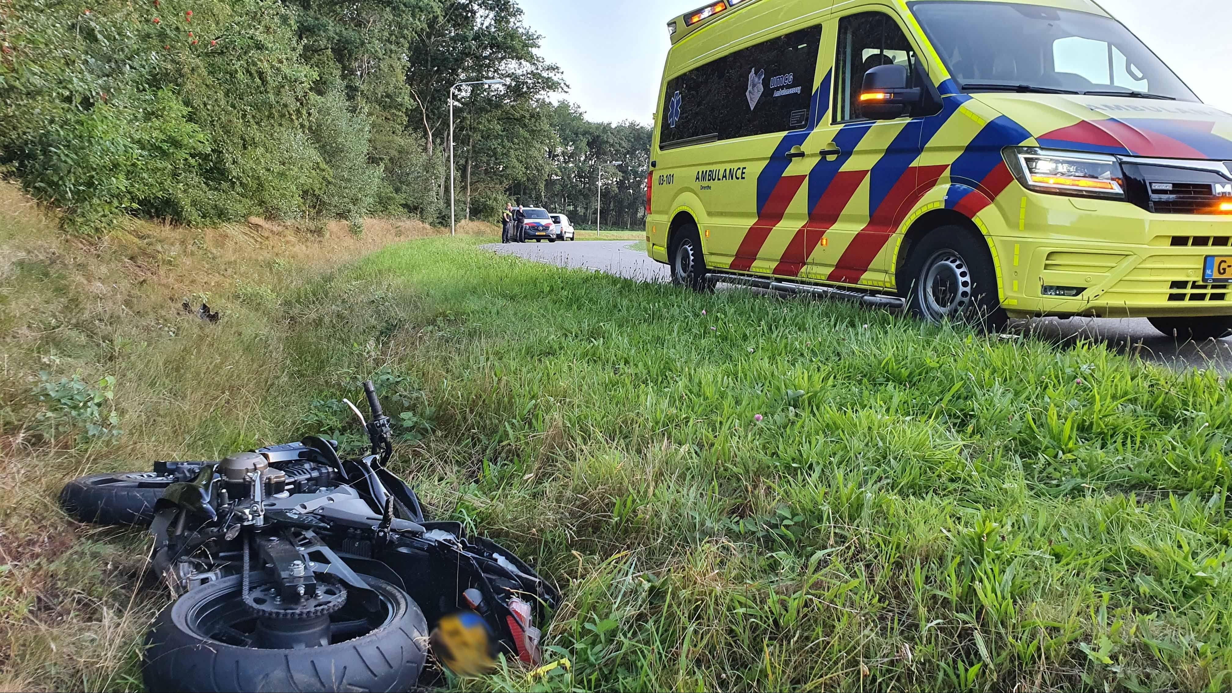 Motorrijder uit Oudleusen raakt gewond bij eenzijdig ongeluk in Zuidwolde.