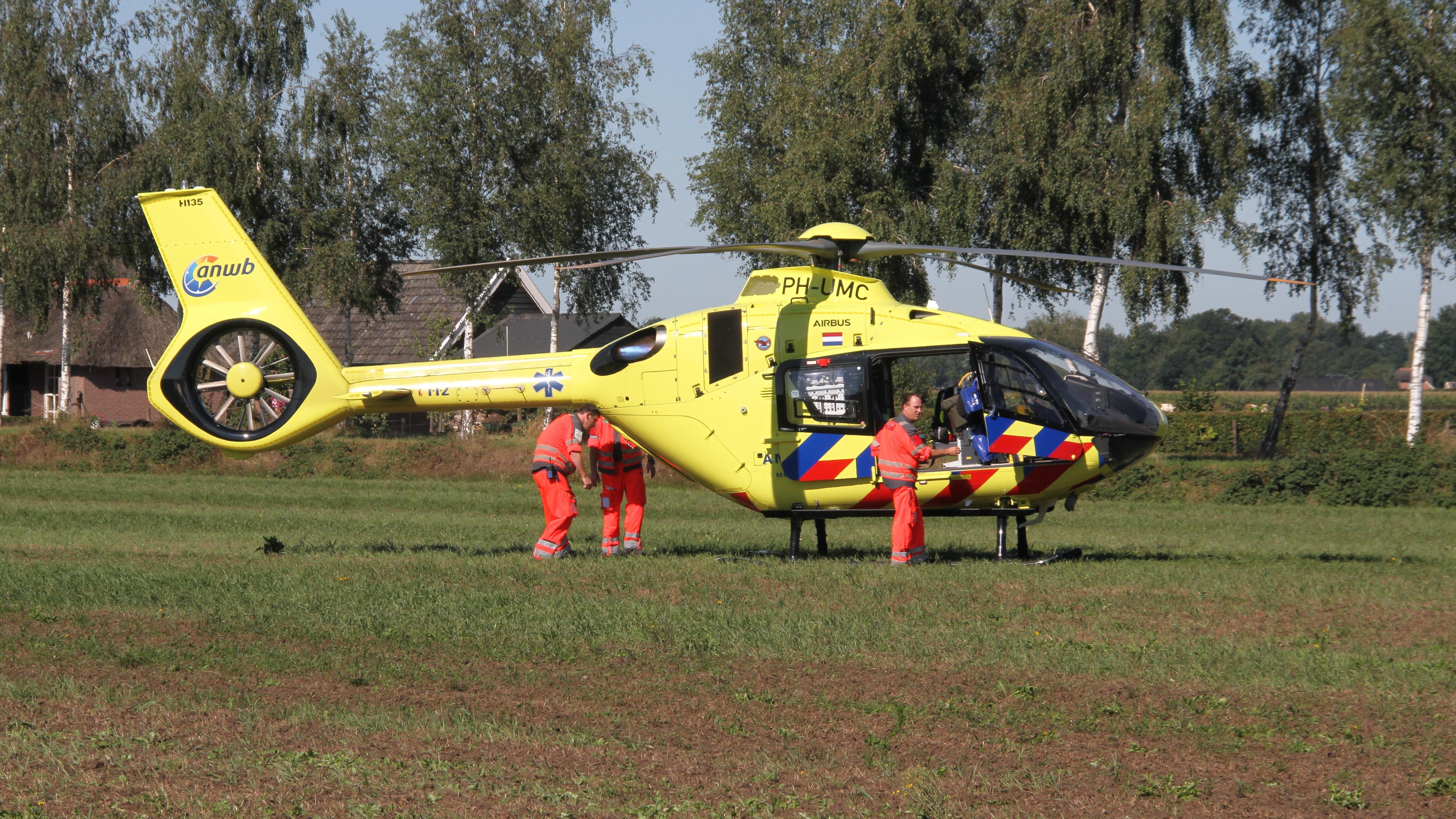 Automobilist overleden bij ongeluk in Hellendoorn.
