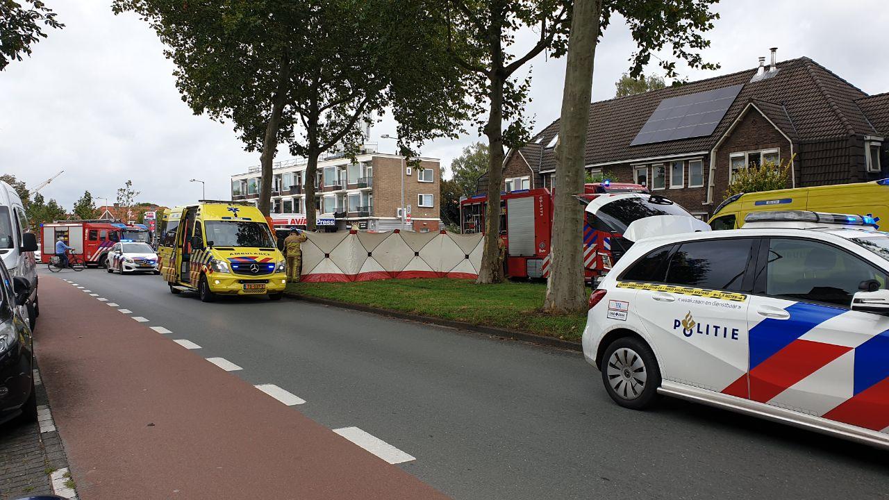 Bestuurder busje zwaargewond na ernstig ongeval in Enschede.