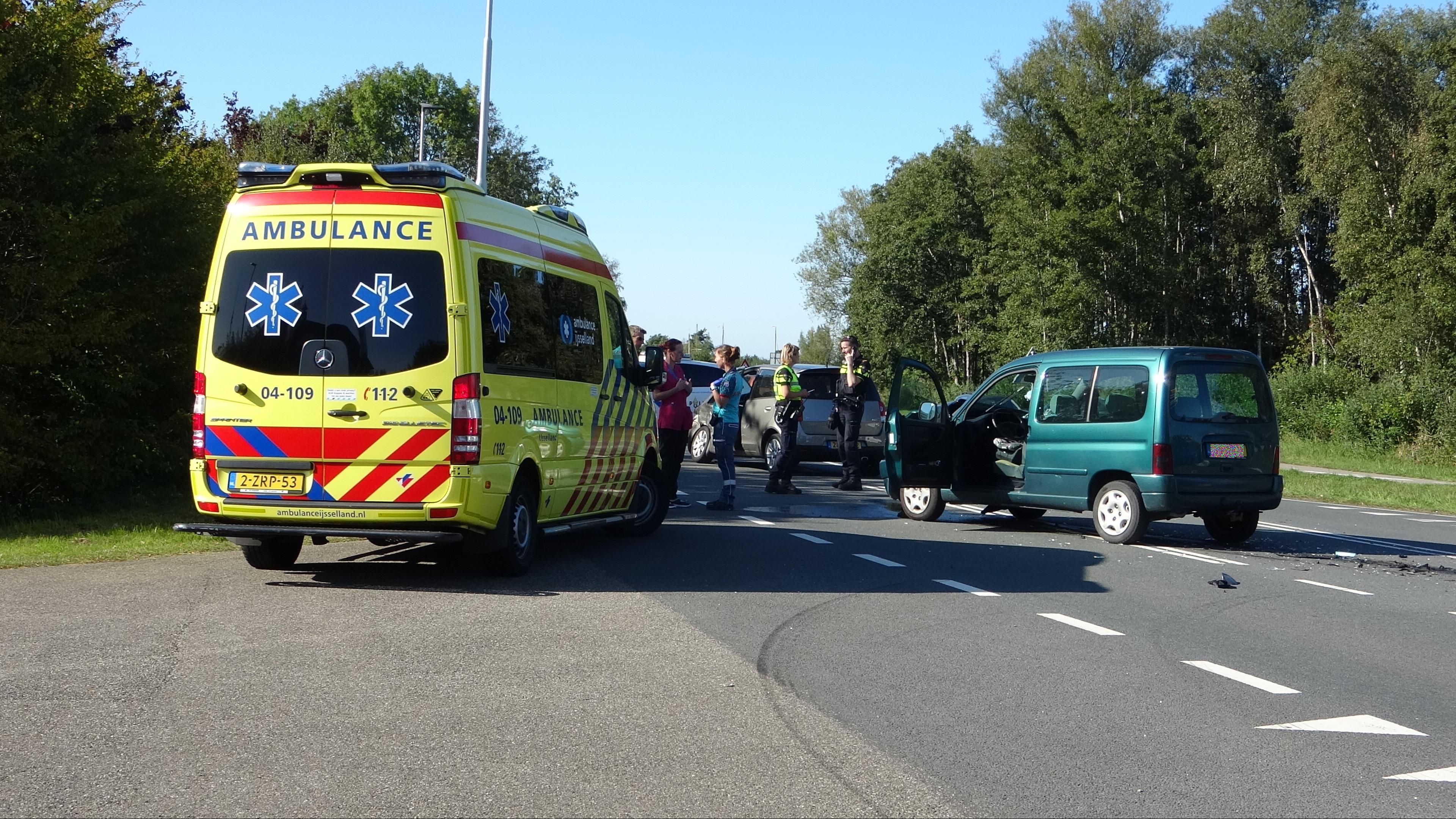 Gewonde bij aanrijding in Wanneperveen.