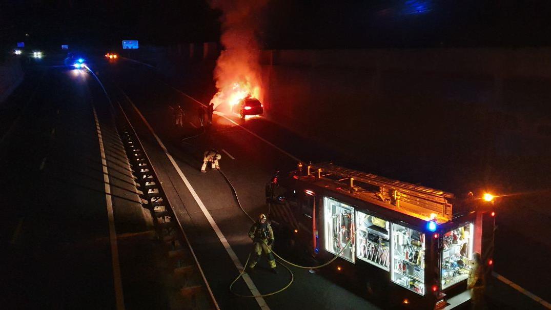 Vertraging op A1 door autobrand, ongeluk en wegwerkzaamheden.