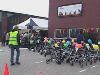 Wereldrecord 'langste rij met rollators'
