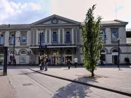Toch geen winkels onder station Zwolle