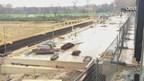 Stoomtrein van MBS rijdt voor het eerst over nieuw spoorviaduct