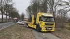 Auto twee keer over de kop op N343 bij Tubbergen, bestuurder gewond