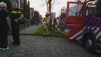 De brandweer heeft in Hengelo een hond uit de rook gered
