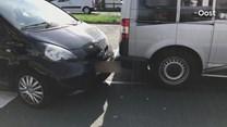 Kop-staartbotsing in Almelo, verkeer loopt vast