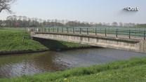 Boer moet kilometers omrijden door gesloten brug