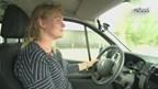 Martijn maakt zijn auto startklaar voor de rodeo