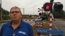 Vrachtwagenchauffeur Zwaneveld wil niet met zijn voertuig over de overgang
